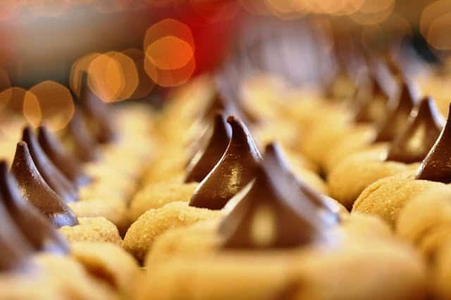Chocolate Peanut Butter Blossoms | www.savingdessert.com