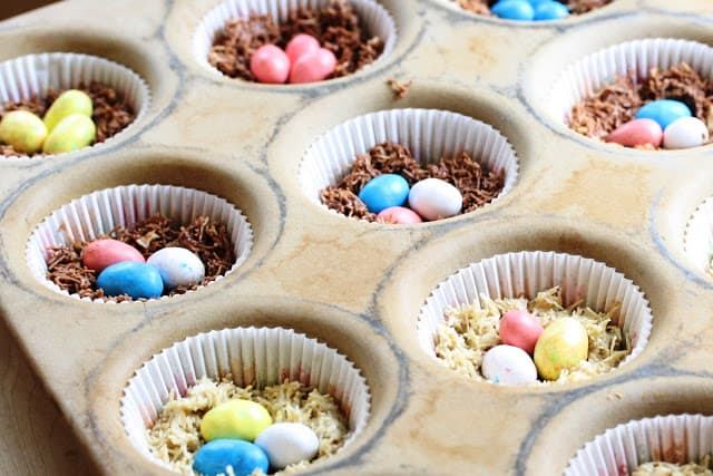 ingredients for your saltation political party or Easter menage unit of measurement gathering www Chocolate Birds' Nests   an slowly no bake treat