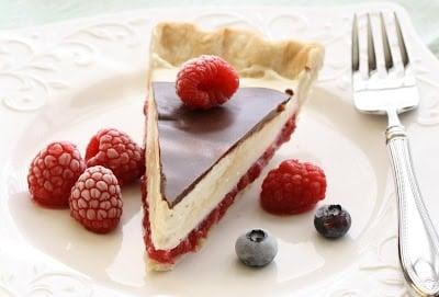 Chocolate Raspberry Pie amongst tart fresh raspberries in addition to a sweetness cream cheese layer topped  Chocolate Raspberry Pie