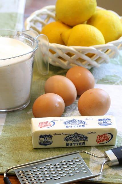Easy Homemade Lemon Curd - A lemony sauce that tastes just like a crustless lemon pie! Great served with pancakes, waffles, biscuits, scones, pound cake and angel food cake. lemon   dessert   sauce   curd   lemon curd   www.savingdessert.com