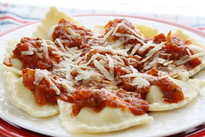Since our garden is bursting amongst tomatoes it exclusively made feel to brand a fresh marinara Homemade Marinara  Cheese Ravioli