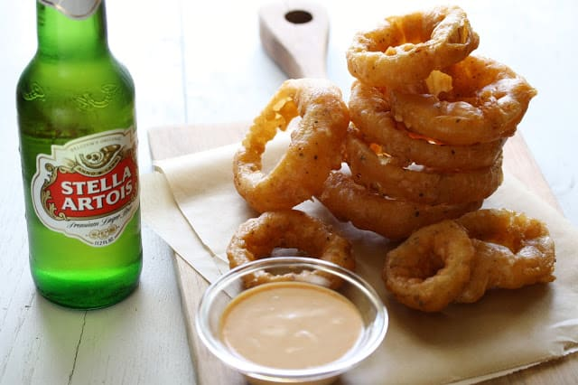 Beer Batter Onion Rings with Spicy Dipping Sauce