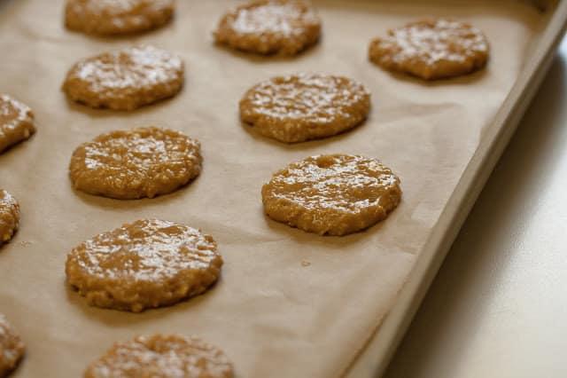 Peanut Butter Sandwich Cookies | www.savingdessert.com
