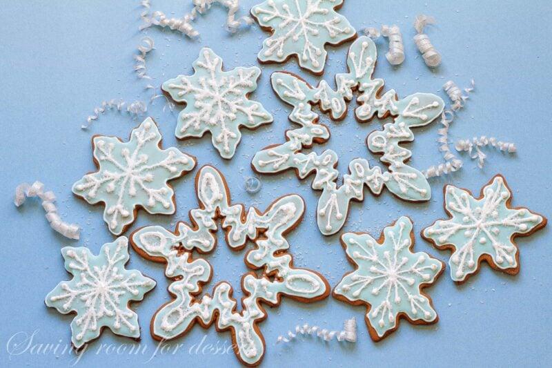Gingerbread Cookies | www.savingdessert.com