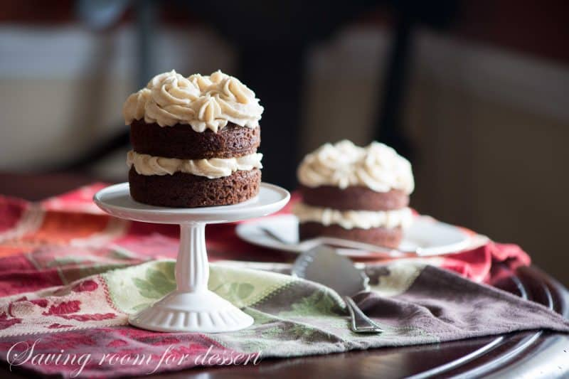 Mini Applesauce Spice Cakes with Browned Butter Cinnamon Buttercream ...