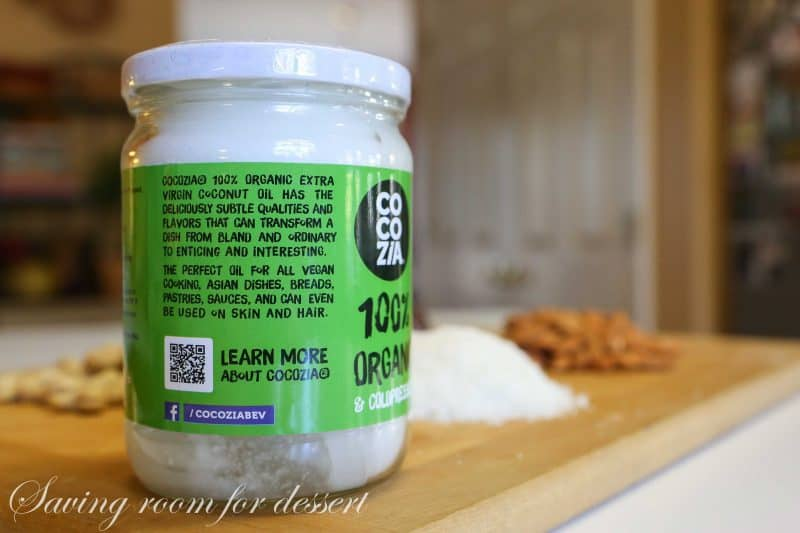 re withal on the struggle close homemade Larabars  Homemade Coconut Cream Pie Larabars (featuring COCOZIA Coconut Oil)