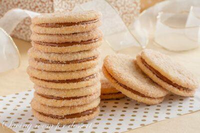 Dulce de Leche Sandwich Cookies amongst Cinnamon as well as Cardamom  Dulce de Leche Sandwich Cookies amongst Cinnamon as well as Cardamom
