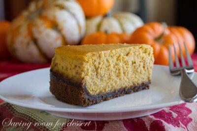Spiced Pumpkin Cheesecake amongst Gingersnap Crust Spiced Pumpkin Cheesecake amongst Gingersnap Crust