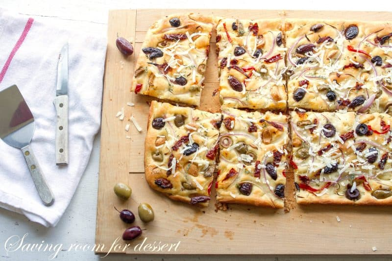 I was overcome alongside a serious craving for olives as well as I Olive, Onion  Dominicus Dried Tomato Focaccia