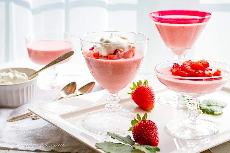 strawberry mousse with lemon whipped cream