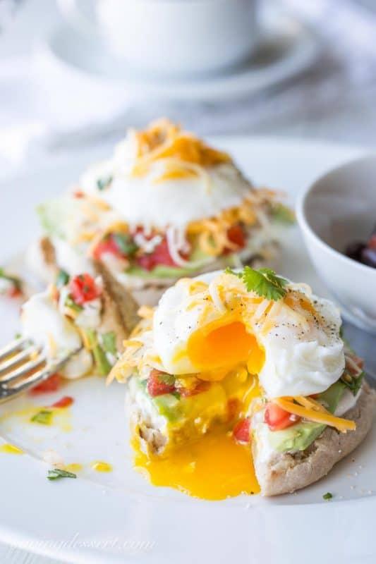 Huevos Avocado with Pico de Gallo