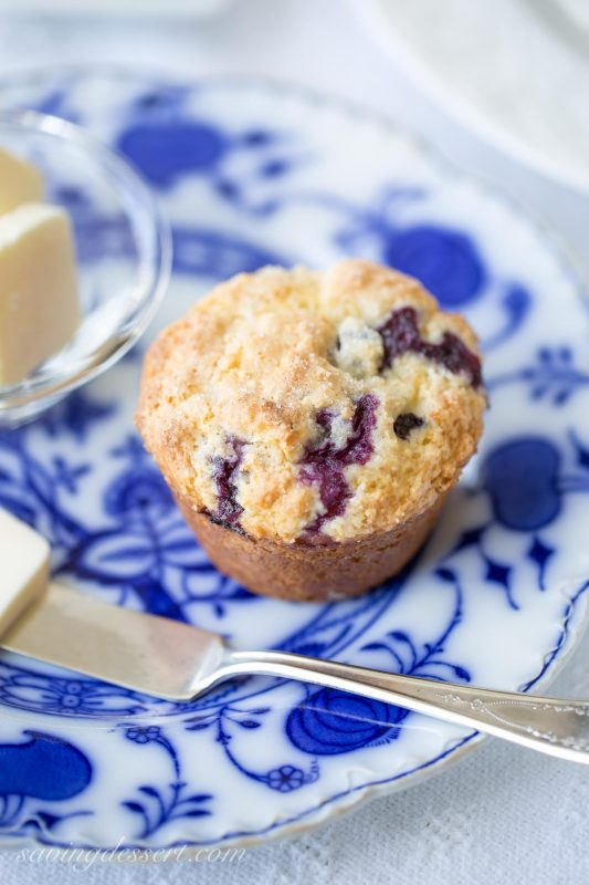Amazing Classic Blueberry Muffins