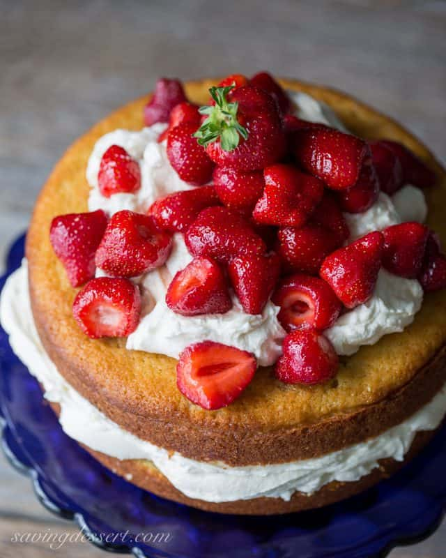 Fresh Strawberry Mascarpone Cake