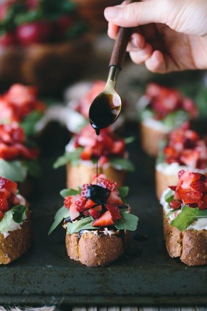 420-Strawberry-Brushettas-with-Ricotta-and-Homemade-Balsamic-Reduction-7479-Edit-3