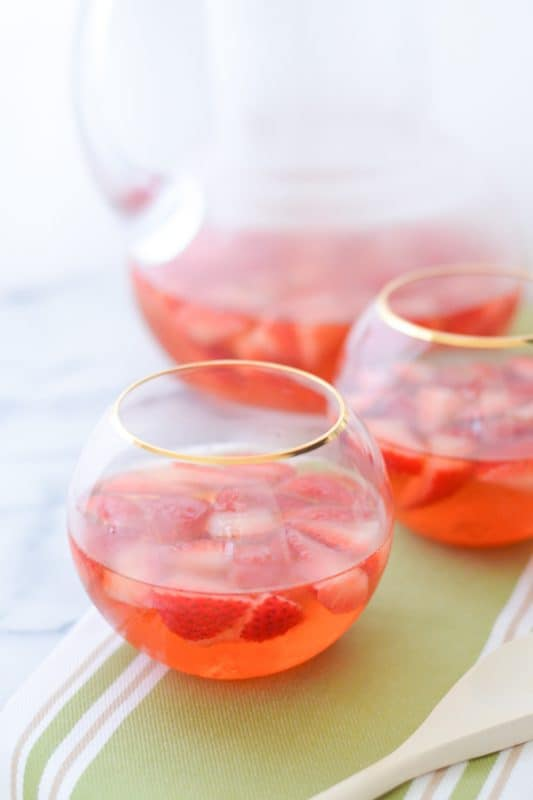 Strawberry Ginger Sangria w. Entwine Wines - Wedding Beer + Wine Only Drink Ideas - Luci's Morsels -- LA Food Blog-7