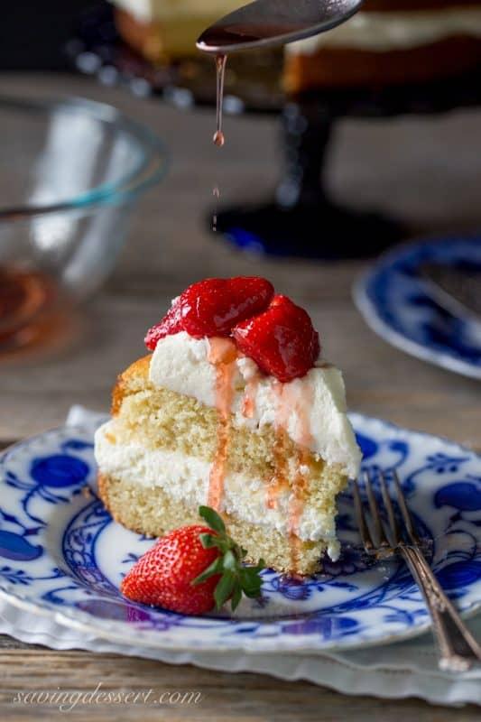 Strawberry-Mascarpon-Cake