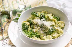 Basil Pesto Cream with Tortellini