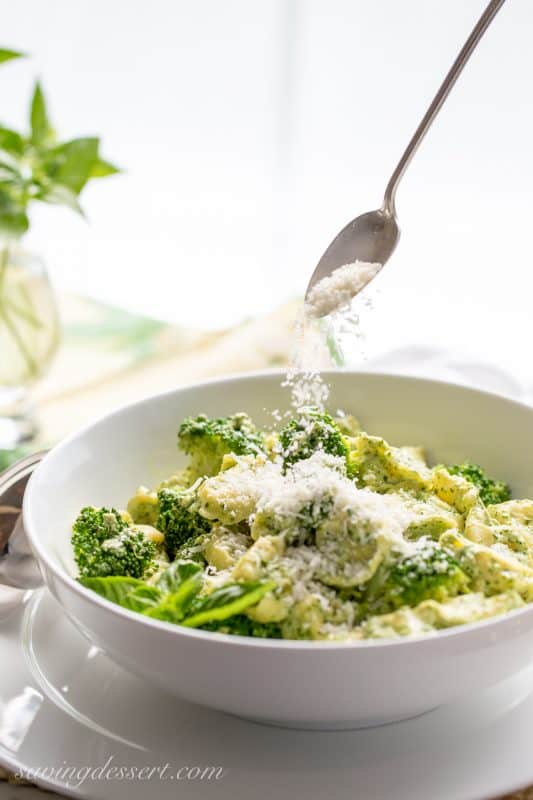 Basil Pesto Cream Tortellini with Steamed Broccoli - super simple and full of terrific flavor - a memorable dish ready in minutes! | www.savingdessert.com