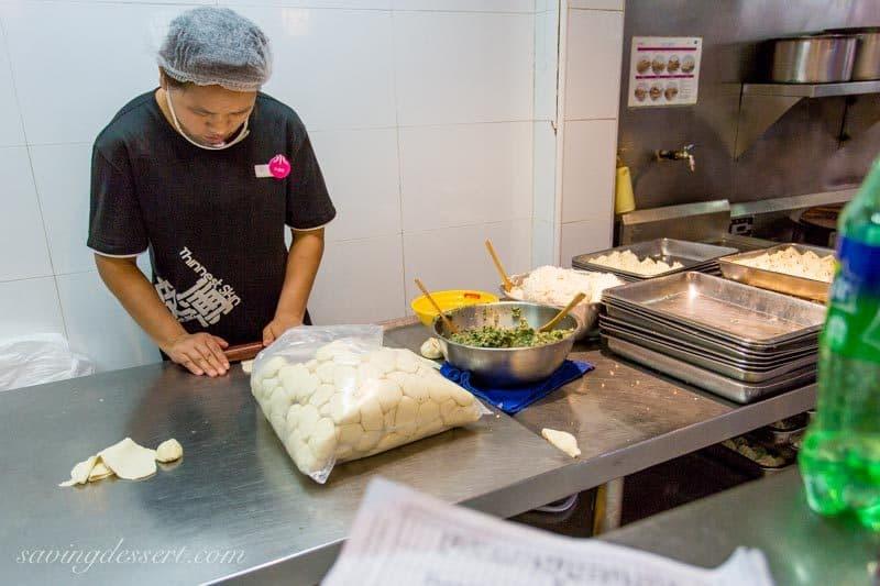Chinese Street Food in Shanghai ~ Yang's Soup Dumplings www.savingdessert.com