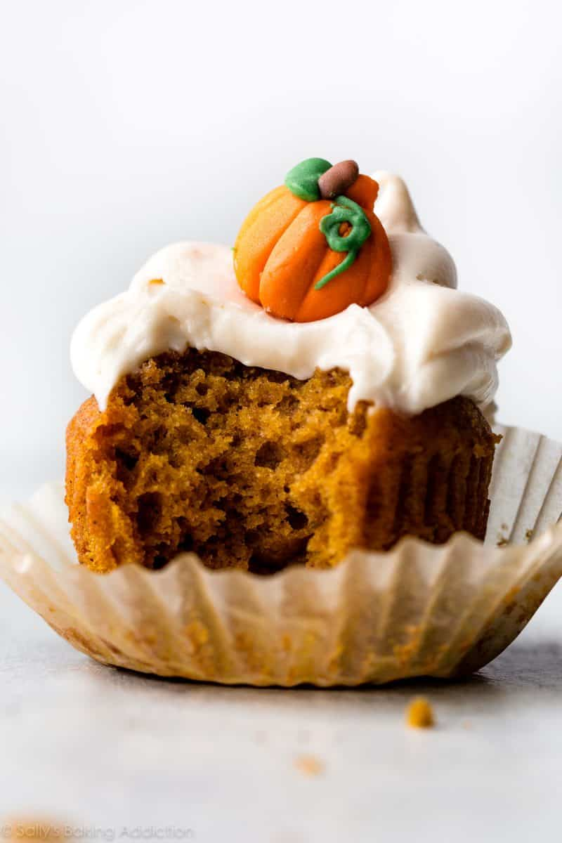 23 brilliant recipes using canned pumpkin puree! It's such a wonderful add-in to all our fall baked goods, savory dinners, breakfast favorites, soups and desserts. #savingroomfordessert #pumpkin #pumpkinrecipes #fallfavorites www.savingdessert.com
