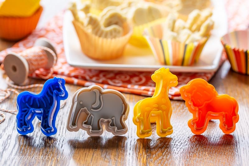 Zoo animal cookie stamps in 4 designs and colors