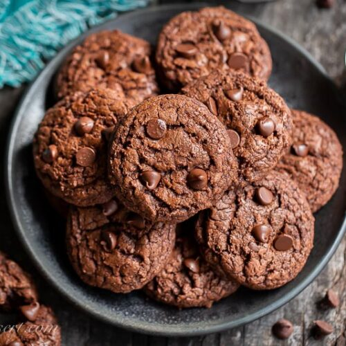 overhead view of a plate of chocolate brownie cookies